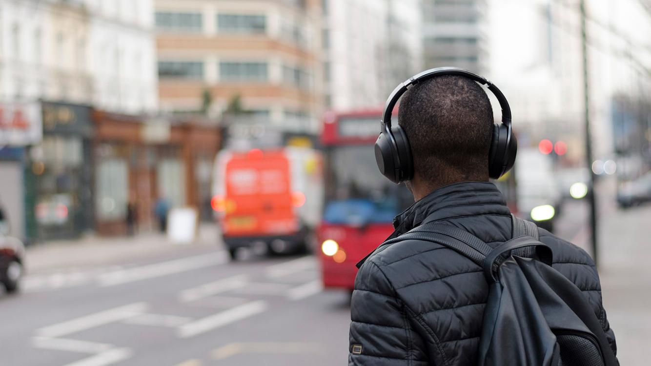 Audio DAC portátiles que puedes llevar en el bolsillo. Ideales para conectar a tu móvil smartphone y disfrutar de la música a la mejor calidad posible. Juntos a unos auriculares in-ear de calidad tendrás el tándem perfecto.